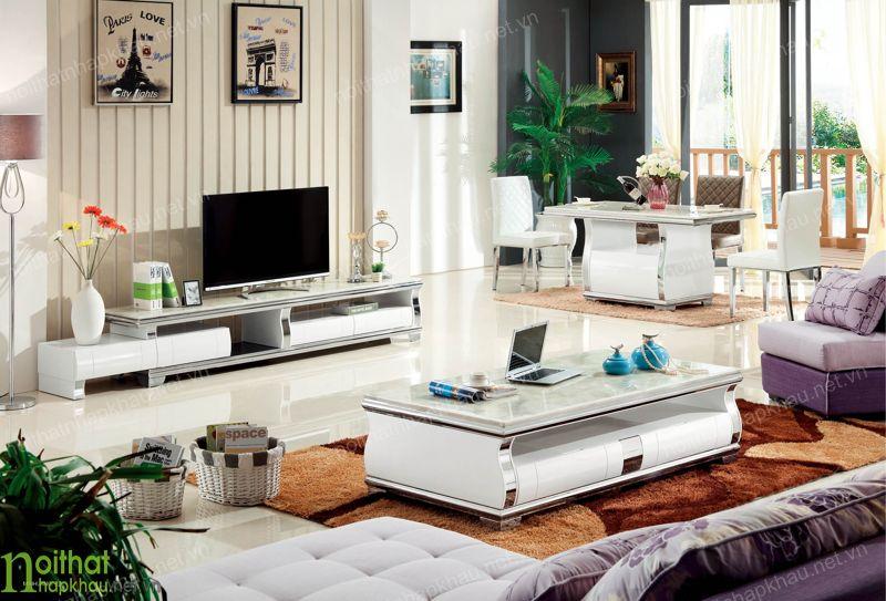 Không gian phòng khách trong lành, tươi mát hơn với việc trang trí thêm cây xanh
