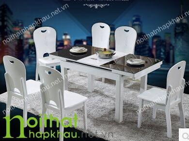 Chiếc bàn được tích hợp bếp từ, kéo dài bằng thao tác đơn giản