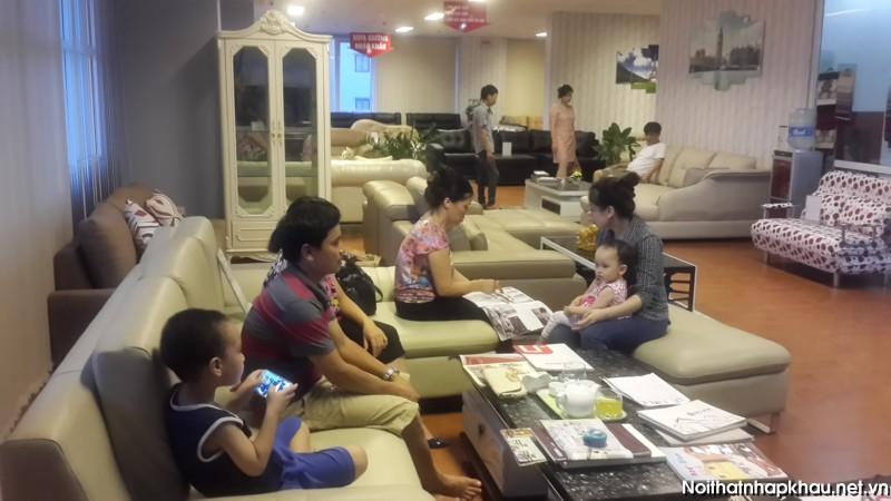 khach-xem-sofa-Toa-CT2-183 hoang-van-thai